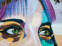 Graffiti su uno dei Glenelg