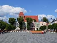 Piazza Wolności a Puck