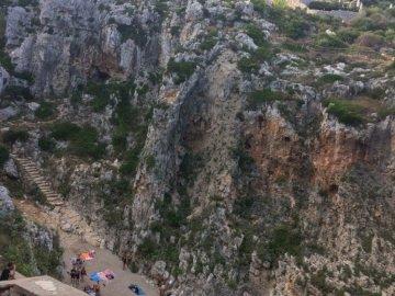 widoczek - . Un gruppo di persone su una roccia.