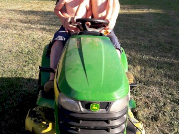 CHRISTIAN - MOWING OF LAWN WITH MARCONS