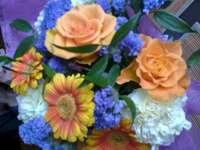 buquê de flores - buquê, flores, rosas. Um close-up de uma flor.