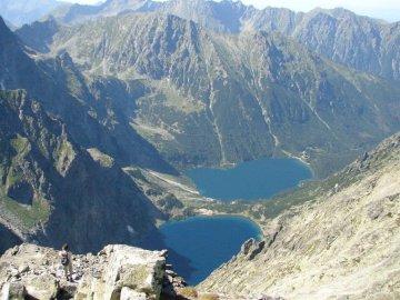 Tatry Wysokie - Tatry Wysokie - Puzzle dla dzieci. Widok dużej góry w tle.