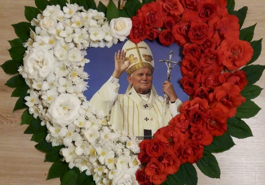 Papa Ioan Paul al II-lea - Ioan Paul al II-lea inima florilor. O strânsă floare (5×5)
