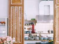 Bucătărie luminoasă