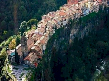 Castelfollit de la Roca - Village in Catalonia, worth seeing. A large long train on a canyon.