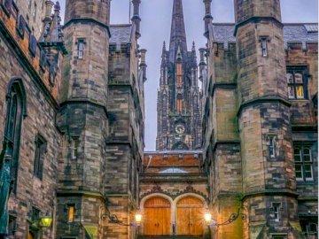 Costruzione di chiese. - Puzzle: costruzione di chiese. Un grande edificio