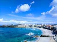 Blått havslandskap - Havet är ett underbart naturens mirakel, idag är den europeiska sjöfartsdagen!. En stor vattenmas