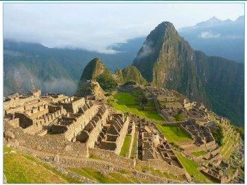 Macchu Picchu - Puzzle dla wymarzonych celów w mediach społecznościowych. Widok na góry.