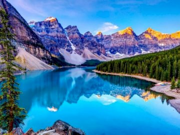 Beautiful landscape - Enjoy assembling this beautiful puzzle of this beautiful and cozy lakefront landscape. A canyon in t