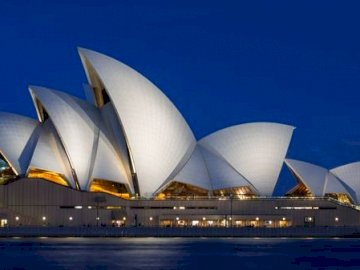 Sydney opera - Rather atypical opera!.