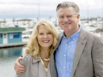 Mick and Megan - Chesapeake shores mick megan. Barbara Niven, Treat Williams pozuje do zdjęcia.