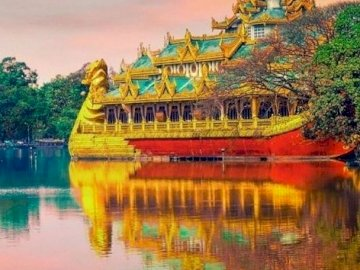 Asian landscape. - Puzzle: Asian landscape. A large body of water.