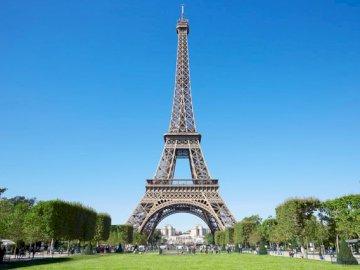 Айфеловата кула - забележителности - Париж - Франция. Голяма висока кула �