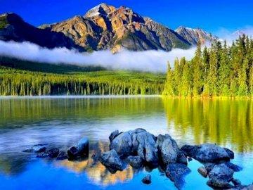 La Creacion és maravillosa - Un paisatge mervavellós de muntanya.