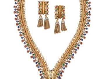 VCA Game - Ensemble de boucles d'oreilles et collier emblématiques rubis, saphir, émeraude et diamant