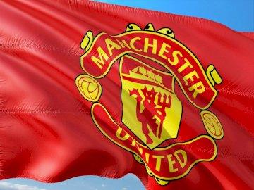 Манчестър Юнайтед - Знаме на Манчестър Юнайтед. Червено-бял знак.