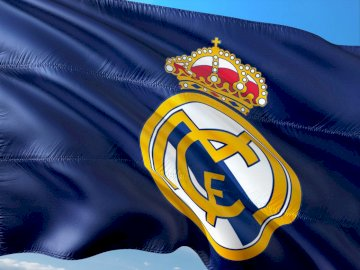 real Madrid - Flag of Real Madrid ole.