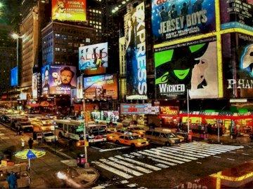 Miasto nocą - miasto neonowe reklamy ruch uliczny. Osoba stojąca przed sklepem.