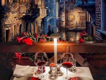 Abendessen in Venedig - Bring mich zum Abendessen. Ein Teller mit Essen auf einem Tisch neben einem Gebäude.
