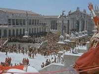 ROMEINSE RIJK - REGERING VAN HET ROMEINSE EMPIRE. Een groep mensen staan voor een gebouw.