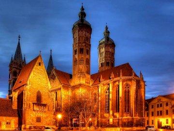 monument d'Allemagne - Puzzle facile avec l'image d'un beau bâtiment. Un château avec une tour de l'horlog