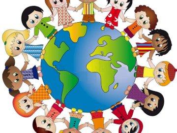 Kinder der Welt - Kinder der Welt Händchen haltend. Eine Nahaufnahme eines Tieres.