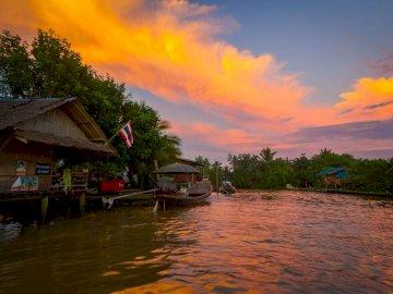 Tajlandia - życie na rzece  -------------------