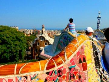 Barcelona - kolorowy park Gaudiego