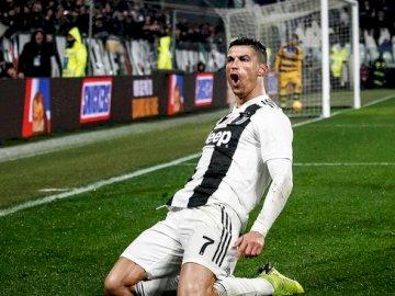 Fotbalistul lui Cristiano Ronaldo - Potrivit celor mai buni jucători din lume