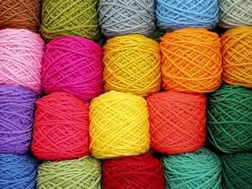 colored yarns - nice puzzles very expressive colorful are well arranged the best entertainment for boredom