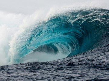 Tsunami-Unterricht - Tsunami so groß wie ein Kulturpalast