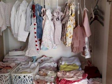 guardaroba per bambini con vestiti - guardaroba per bambini con vestiti