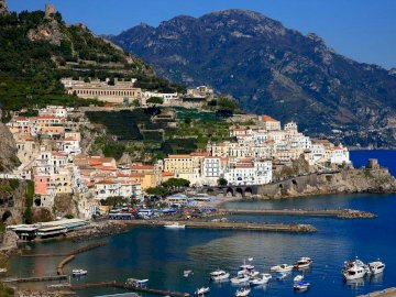 Italie-Amalfi - Italie -Belle ville d'Amalfi