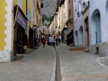 le ville de briancon france - la strada principale