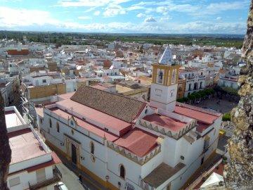 Iglesia Ntra Sra de las Nieves - Iglesia gótico-mudéjar del siglo XV de La Algaba
