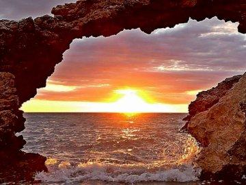Sonnenaufgang - ein wunderschöner Tag am meer beginnt