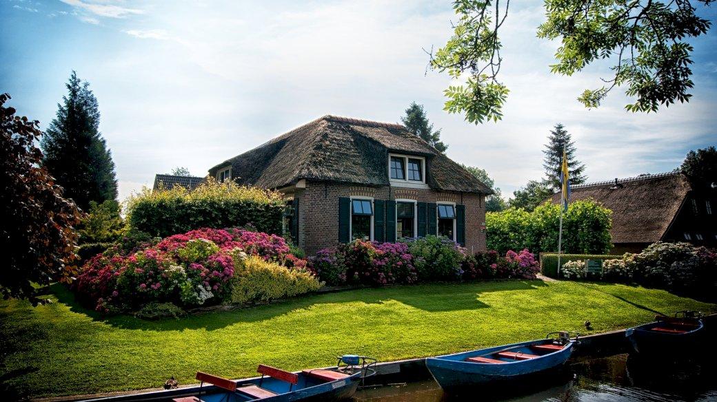 Dom nad rzeką - malownicza posiadłość nad rzeką
