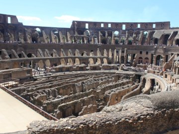 Rzym Coloseum - Ruiny starożytnego Coloseum w Rzymie.