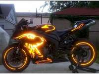 Красив ярък мотоциклет - Красив ярък мотоциклет