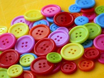 Bardzo kolorowe guziki - Kolorowe guziki, łatwe do układania