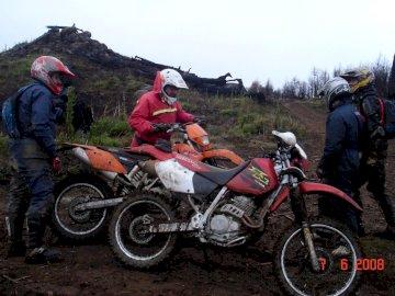 επιδρομή μοτοσικλετών - βόλτα με μοτοσικλέτα στα βουνά