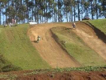 pista de motos - hermosa pista de tierra para motos de cross