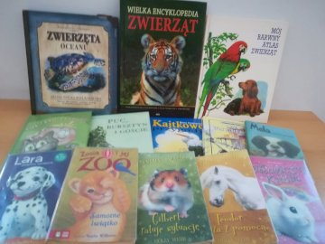 Zwierzątka z czytelniczego zakątka - Ułóż puzzle, po rozwiązaniu ukaże się fotografia książek dostępnych w naszej bibliotece szk
