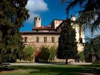castello di Manta