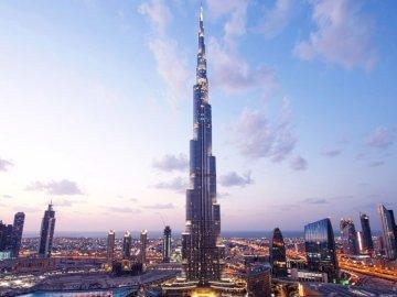 Burj Khalifa - Toto je nejvyšší budova na světě
