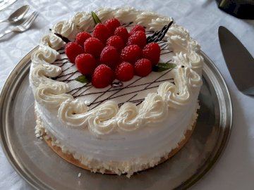 cytrynowo malinowy tort - cytrynowo malinowy tort
