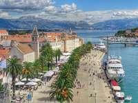 Croazia - Trogir - viale al mare