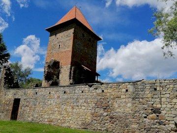 hrad - Chudów - Zřícenina renesančního hradu v Chudowě
