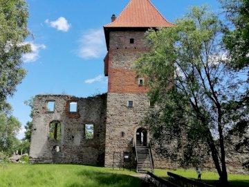 Castle-Chudów - Zřícenina renesančního hradu v Chudowě
