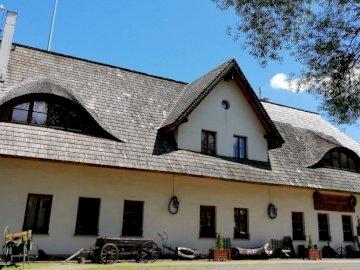 Black Horse Inn - Restaurace, Podzamcze, Chudów